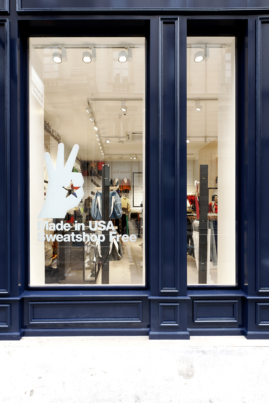 aldo_paredes_for_american_apparel_shop_bd-046