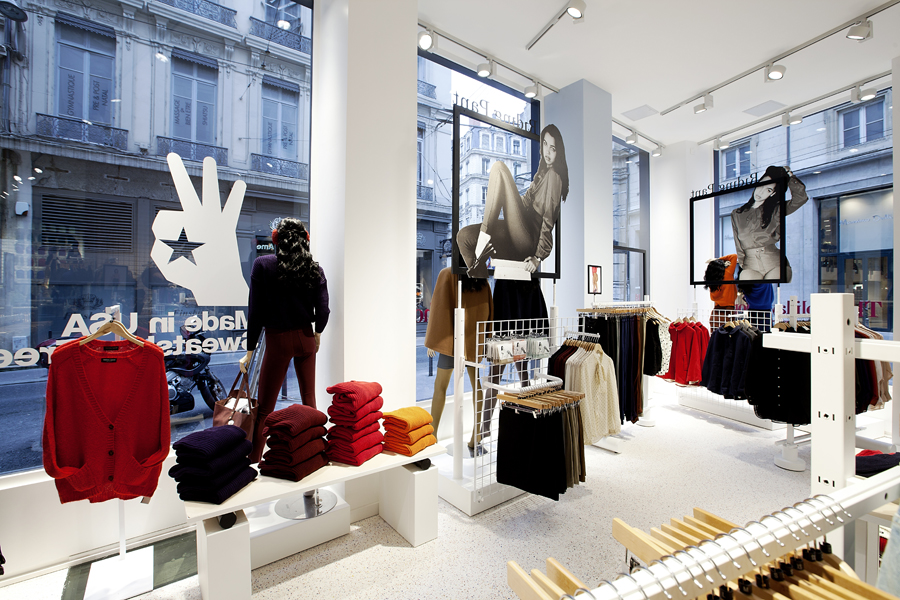aldo_paredes_for_american_apparel_shop_bd-17