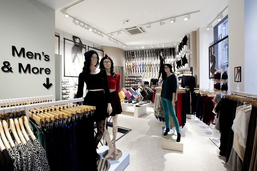 aldo_paredes_for_american_apparel_shop_bd-19