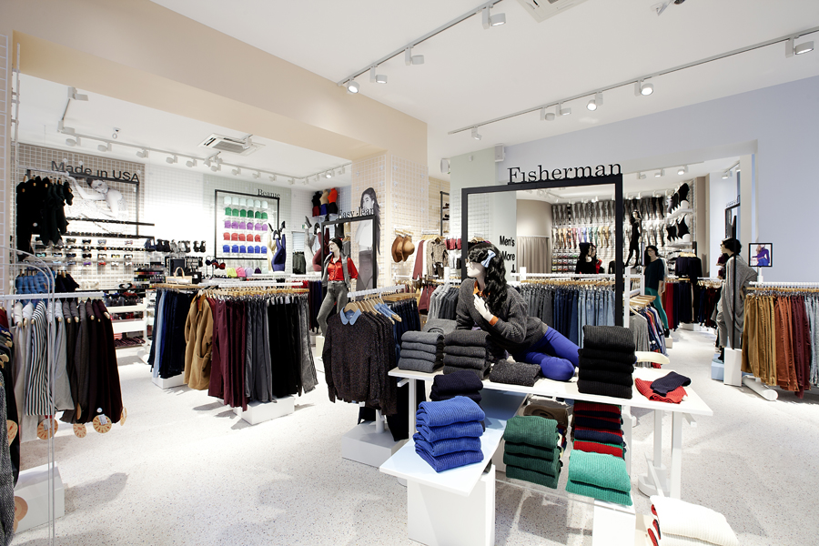 aldo_paredes_for_american_apparel_shop_bd-23