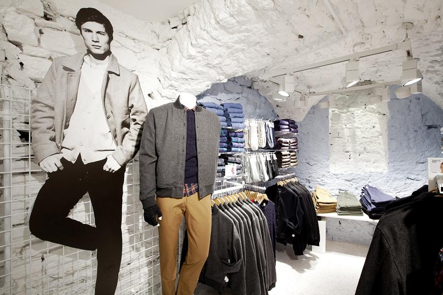 aldo_paredes_for_american_apparel_shop_bd-24