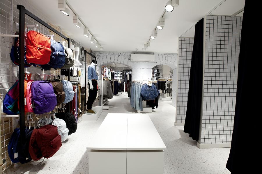 aldo_paredes_for_american_apparel_shop_bd-28