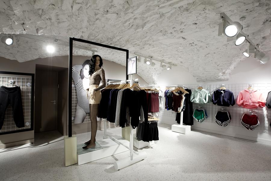 aldo_paredes_for_american_apparel_shop_bd-41