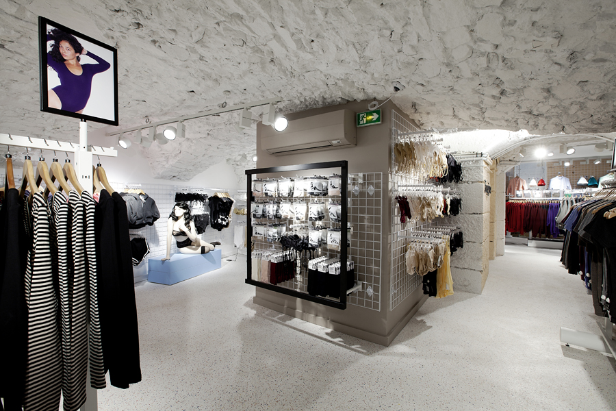 aldo_paredes_for_american_apparel_shop_bd-42