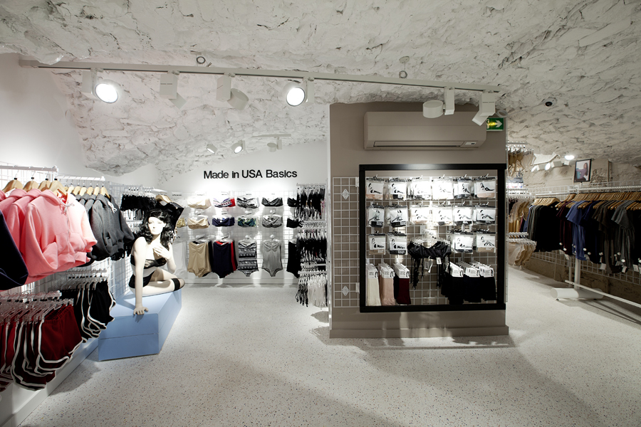 aldo_paredes_for_american_apparel_shop_bd-43