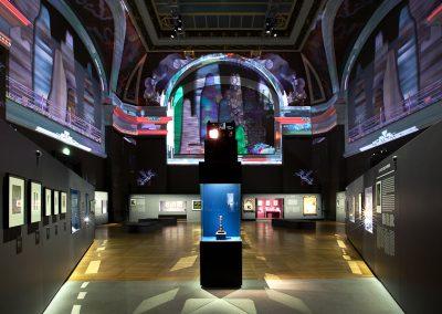 CARTIER : LE STYLE ET L'HISTOIRE, Grand Palais, Paris 2013-2014, scénographie Sylvain Roca et Nicolas Groult