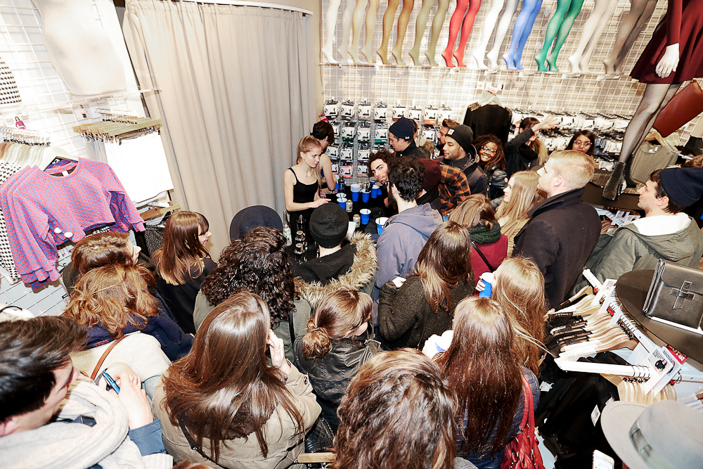 aldo_paredes_american_apparel_1_year_lyon_bd-20