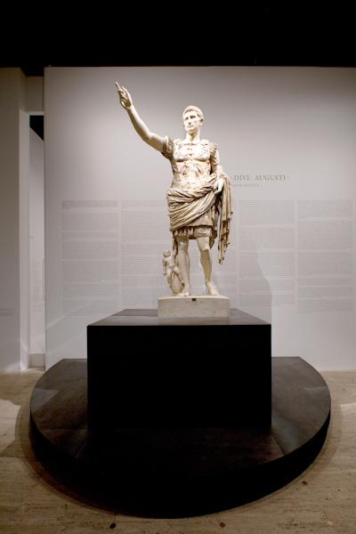 aldo_paredes_moi_auguste_empereur_rome_rmn-gp_hd-9