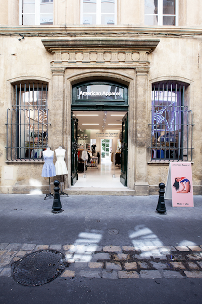 aldo_paredes_american_apparel_aix_en_provence_boutique_hd-1