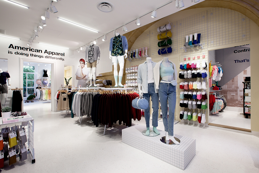 aldo_paredes_american_apparel_aix_en_provence_boutique_hd-13