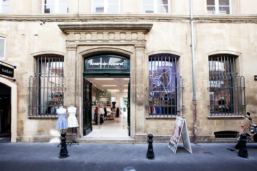 aldo_paredes_american_apparel_aix_en_provence_boutique_hd-2