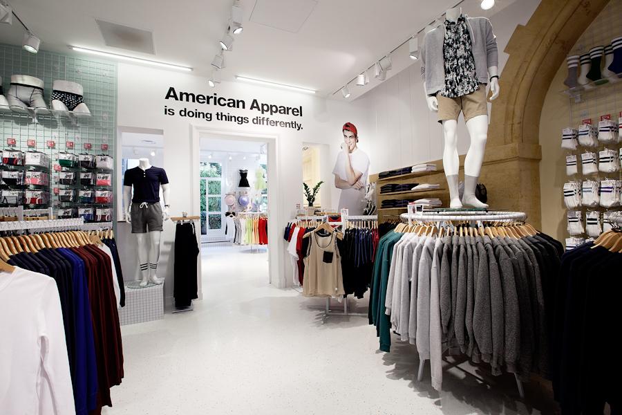 aldo_paredes_american_apparel_aix_en_provence_boutique_hd-21