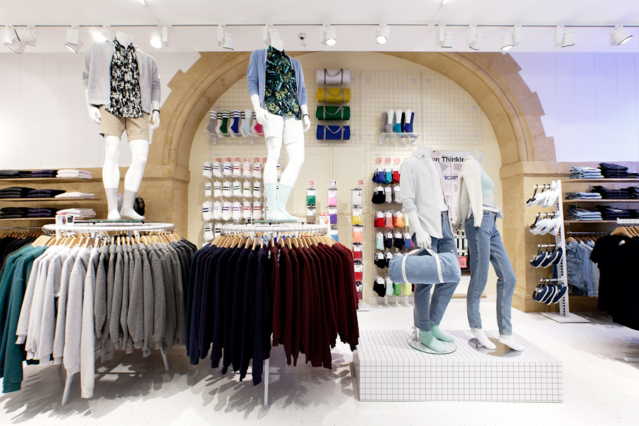 aldo_paredes_american_apparel_aix_en_provence_boutique_hd-22