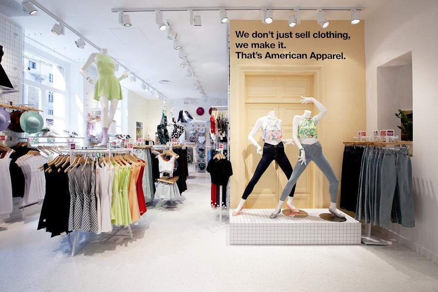 aldo_paredes_american_apparel_aix_en_provence_boutique_hd-28