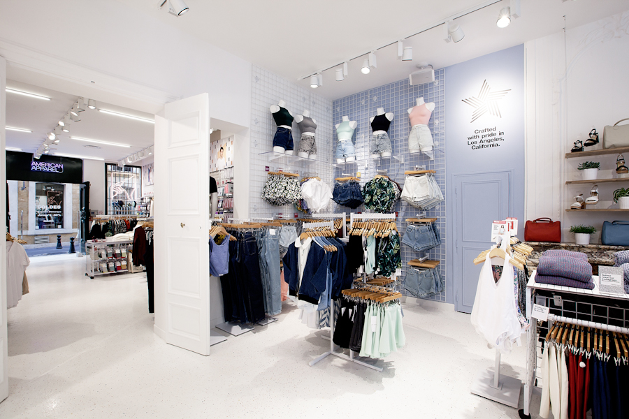 aldo_paredes_american_apparel_aix_en_provence_boutique_hd-29