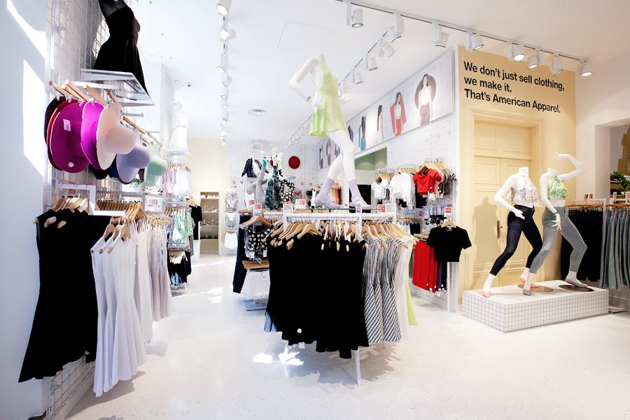 aldo_paredes_american_apparel_aix_en_provence_boutique_hd-31