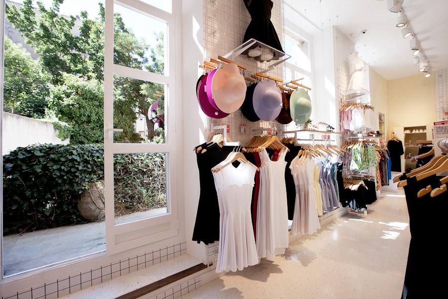 aldo_paredes_american_apparel_aix_en_provence_boutique_hd-37