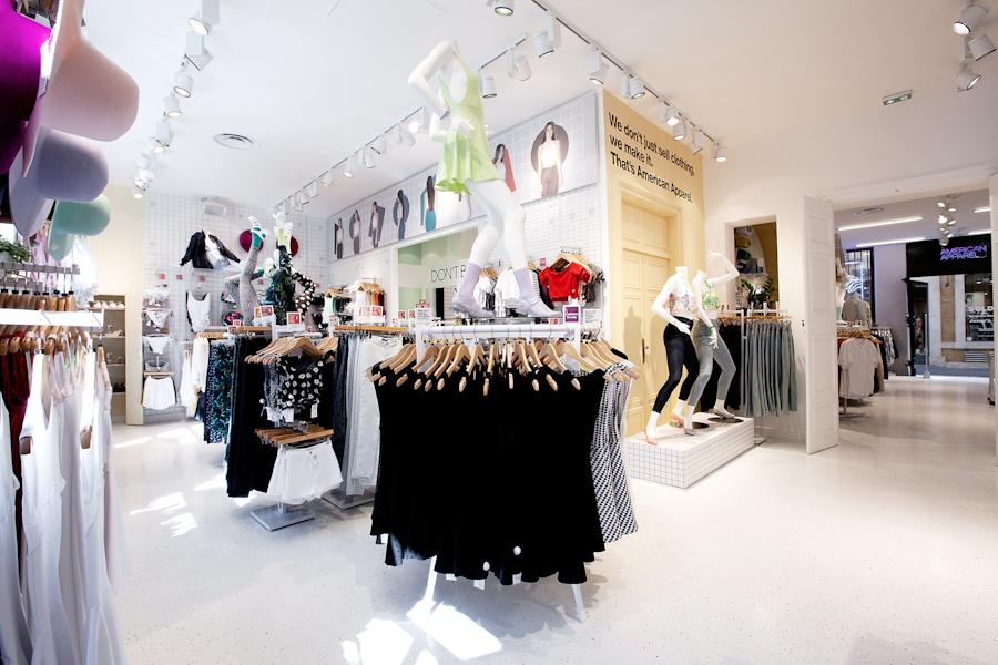 aldo_paredes_american_apparel_aix_en_provence_boutique_hd-38