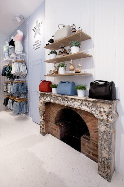 aldo_paredes_american_apparel_aix_en_provence_boutique_hd-44