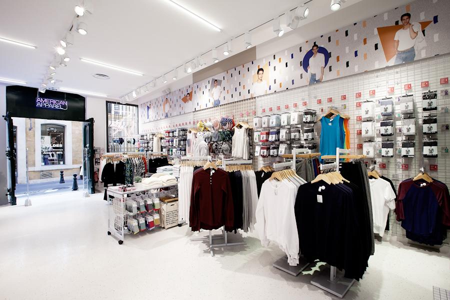 aldo_paredes_american_apparel_aix_en_provence_boutique_hd-7