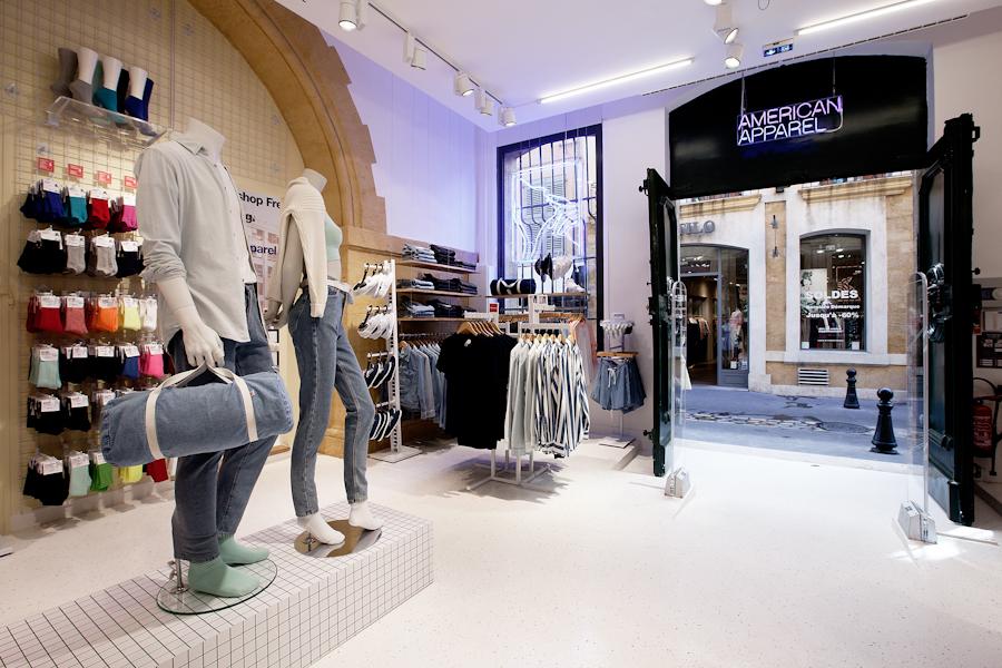 aldo_paredes_american_apparel_aix_en_provence_boutique_hd-9