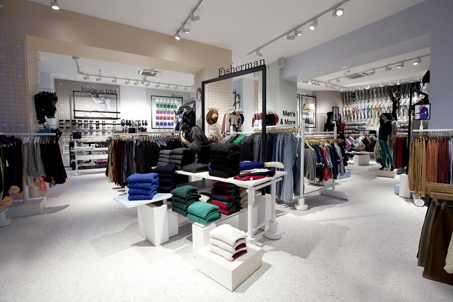 aldo_paredes_for_american_apparel_shop_bd-1