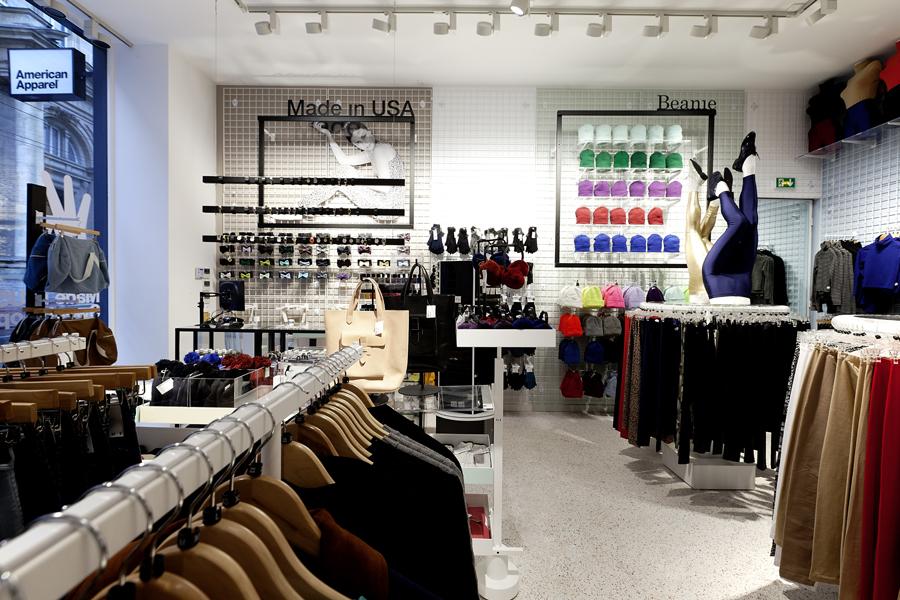 aldo_paredes_for_american_apparel_shop_bd-10