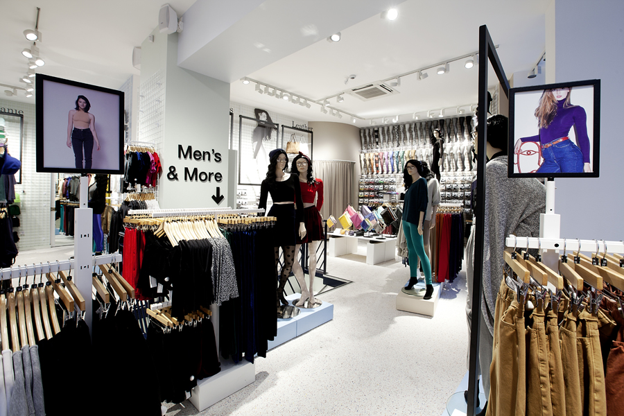 aldo_paredes_for_american_apparel_shop_bd-11