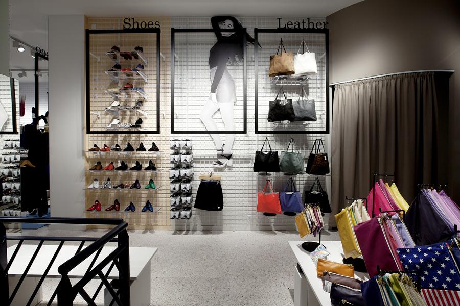 aldo_paredes_for_american_apparel_shop_bd-13
