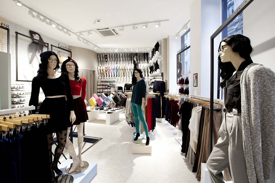 aldo_paredes_for_american_apparel_shop_bd-18