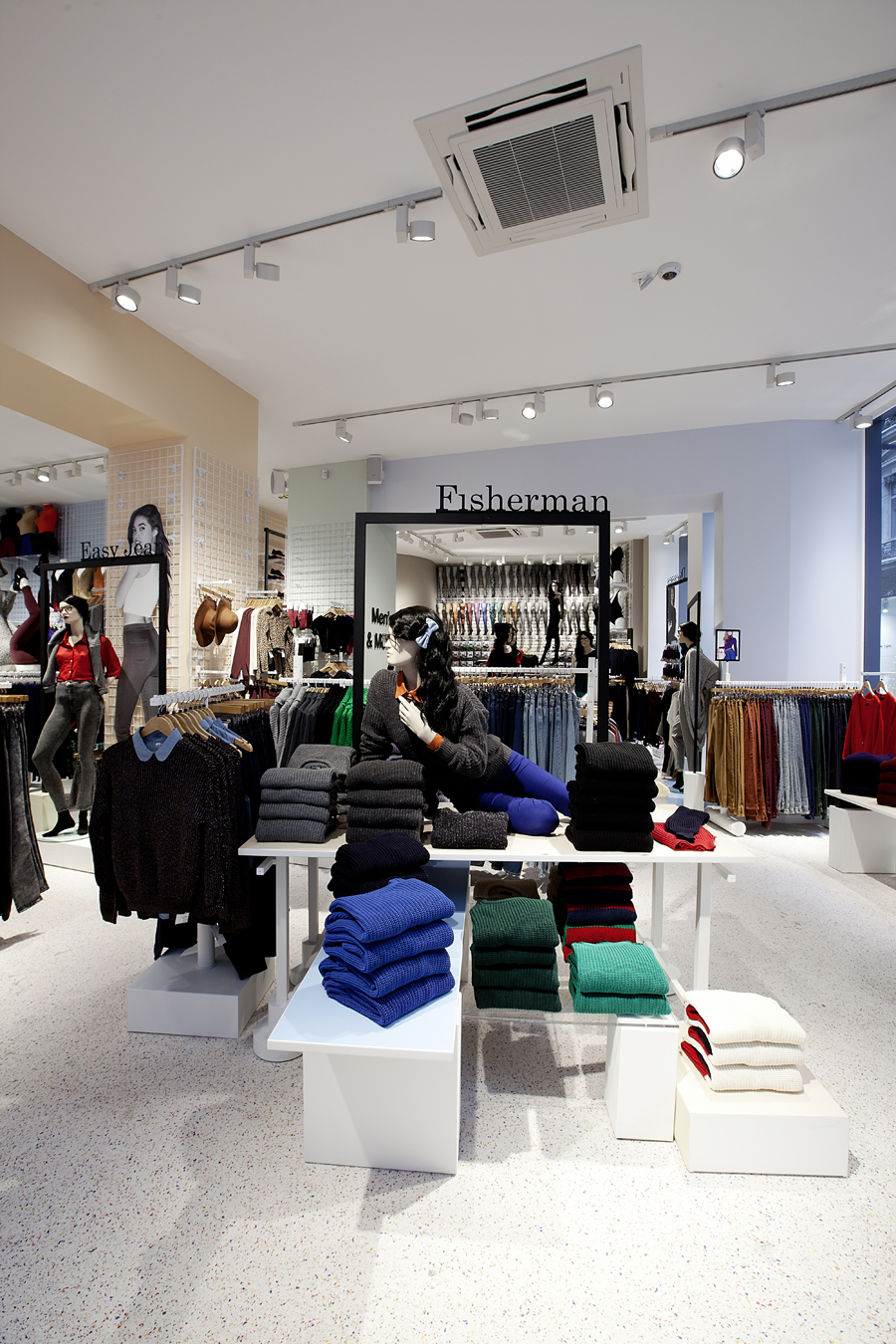 aldo_paredes_for_american_apparel_shop_bd-22