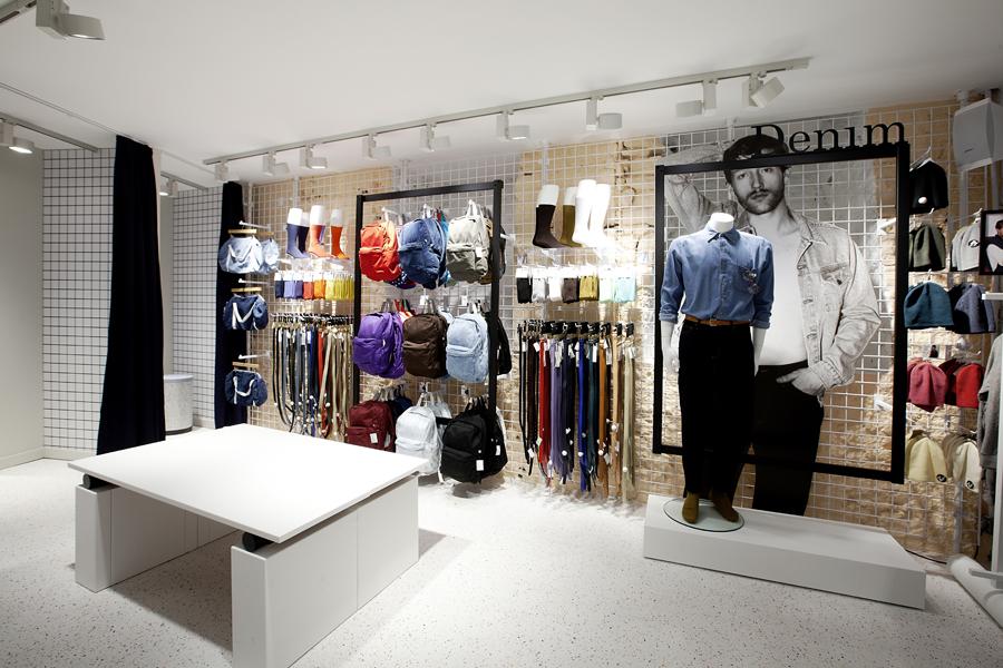 aldo_paredes_for_american_apparel_shop_bd-27