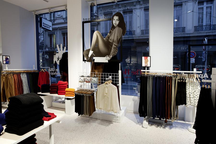 aldo_paredes_for_american_apparel_shop_bd-3
