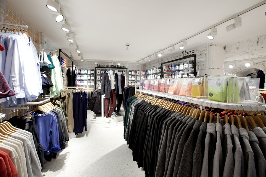 aldo_paredes_for_american_apparel_shop_bd-30