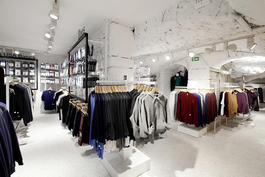 aldo_paredes_for_american_apparel_shop_bd-34
