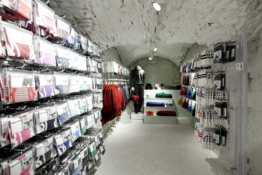 aldo_paredes_for_american_apparel_shop_bd-36