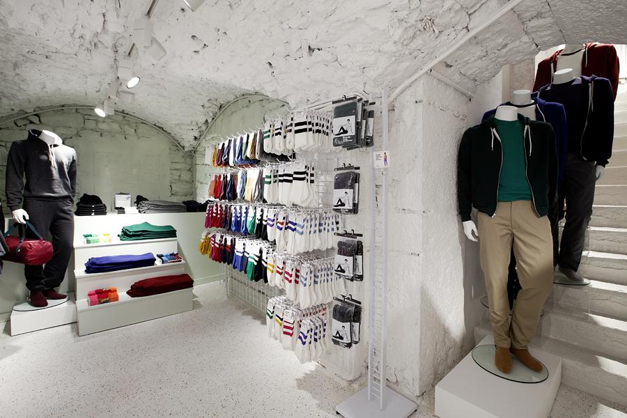 aldo_paredes_for_american_apparel_shop_bd-37