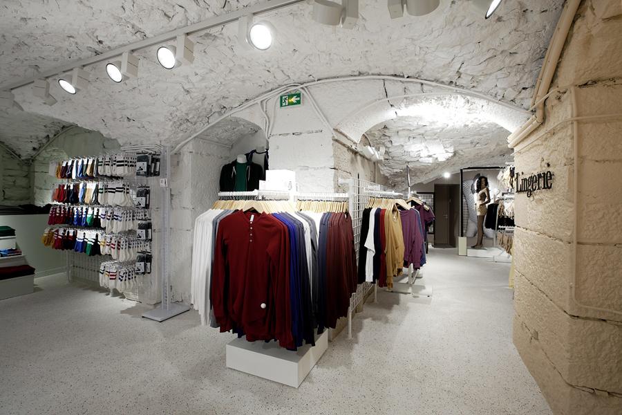 aldo_paredes_for_american_apparel_shop_bd-39