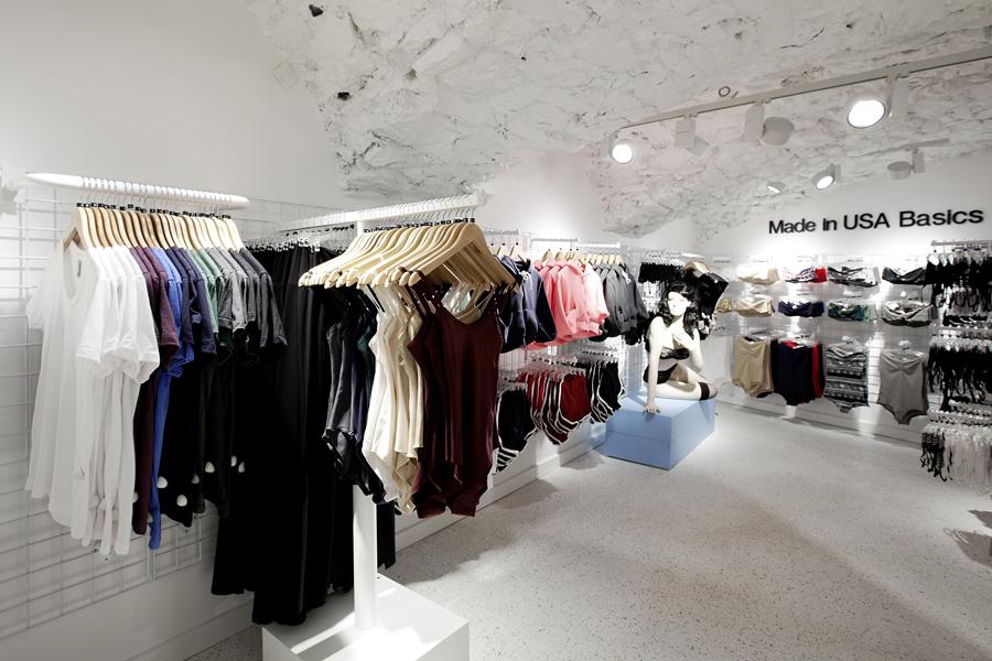 aldo_paredes_for_american_apparel_shop_bd-44