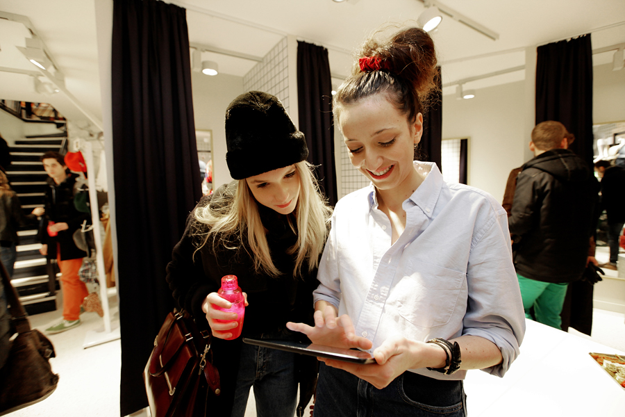 aldo_paredes_for_american_apparel_opening_lyon_bd-10