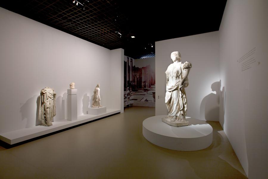 aldo_paredes_moi_auguste_empereur_rome_rmn-gp_hd-87